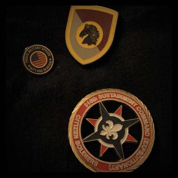 Military Challenge Coin & spouse pin